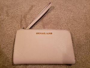 Michael Kohrs adele cellphone wallet/wristlet for Sale in Issaquah, WA