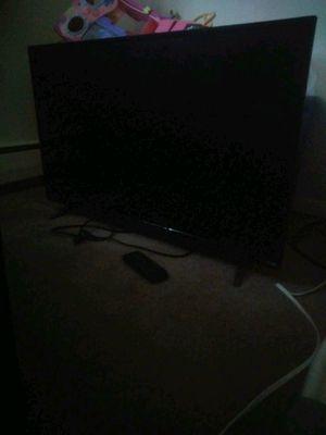 34 inch vizio tv for Sale in Levittown, PA