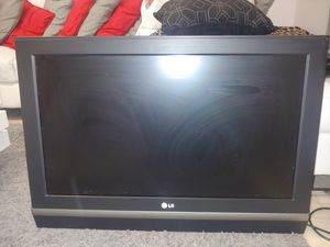 Lg 32 inches tv for Sale in Miami, FL