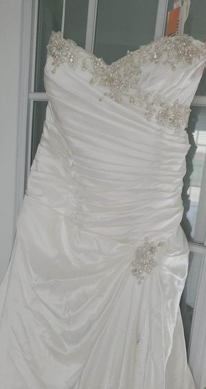 wedding dress for Sale in Powdersville, SC