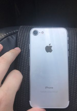 Apple iPhone 7 32 gb for Sale in San Marcos, CA