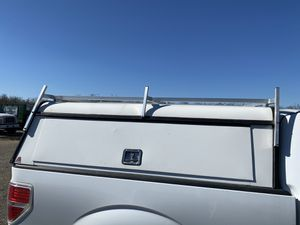 Leer Utility Camper for Sale in Tulare, CA