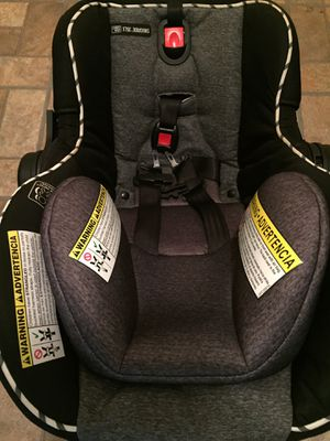 Graco Infant Car Seat/Carrier for Sale in Glenn Dale, MD