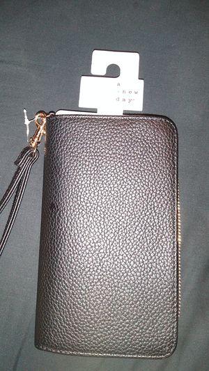 New wristlet wallet for Sale in Hemet, CA