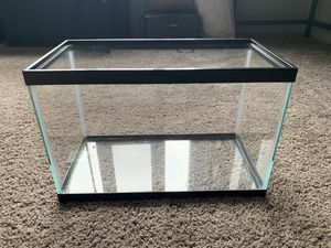 5.5 Gallon Aqueon Fishtank for Sale in Seattle, WA