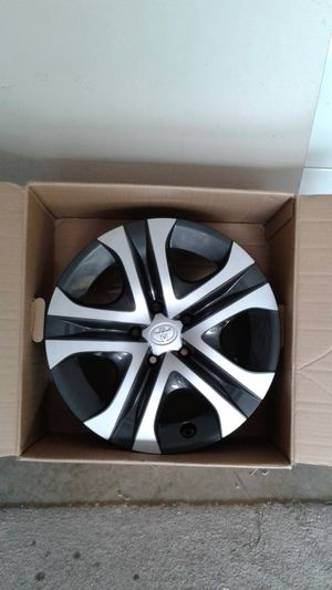 2017 Toyota RAV 4 (17 inches) Rims for Sale in Lynnwood, WA