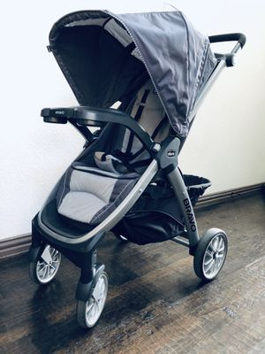 Chicco Bravo baby stroller gray for Sale in Grand Prairie, TX
