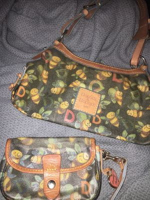 Dooney & Burke bumblebee purse and wristlet for Sale in North Las Vegas, NV