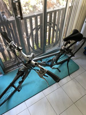 Trek FX Hybrid Bike and Misc. Bike Parts for Sale!! for Sale in Los Altos, CA