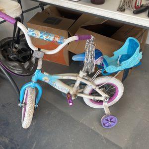 Girl Toddler Bike W helmet for Sale in Riverview, FL