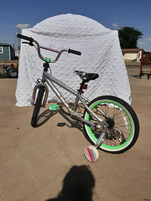 Sassy Kids Bike W/Training Wheels for Sale in Amarillo, TX