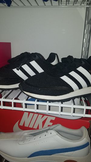 Adidas size 1.5y., no box and gently worn for Sale in Joliet, IL