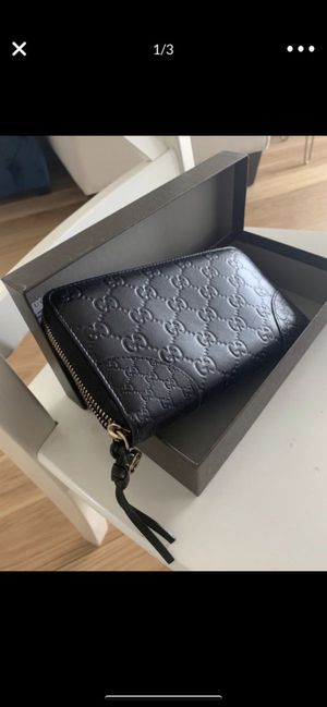 Gucci wallet for Sale in Wantagh, NY