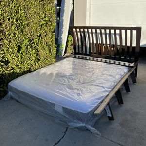 Very Comfortable Sealey Queen Size Bed, Box Spring and Frame W/ Headboard For Sale for Sale in Los Angeles, CA