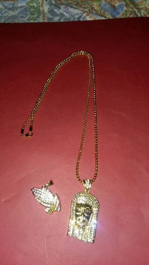 28in gold filled chain and Jesus and hands praying pendants for Sale in Lancaster, PA