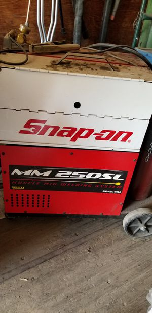 Snap on mig welder. Credit card accepted with valid ID for Sale in Tampa, FL