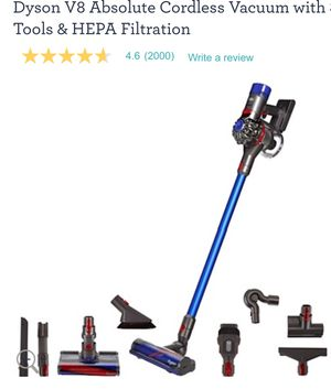 Dyson V8 vacuum! for Sale in Raleigh, NC