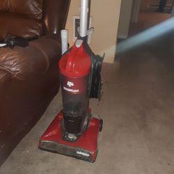 Dirt Devil Bagless Upright Vacuum for Sale in Puyallup,  WA