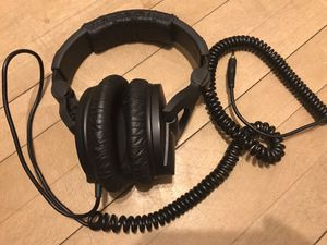 Sennheiser hd 280 pro for Sale in Chicago, IL