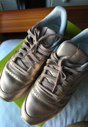 Limited edition rose gold Reeboks for Sale in Brooklyn, NY
