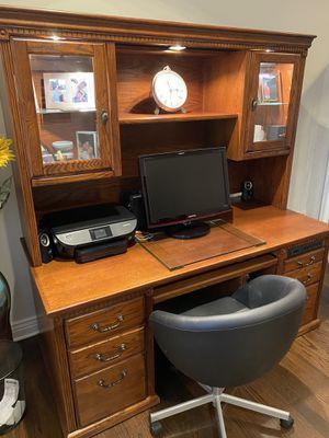 Desk and bookcase for Sale in Elmhurst, IL