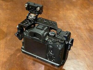 Sony a viii, SmallRig Cage, Sony FE 28-70mm, Batteries for Sale in Chaplin, KY
