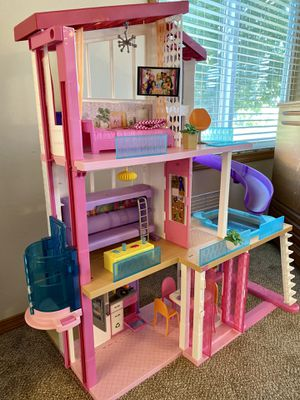 Barbie Dreamhouse for Sale in Graham, WA
