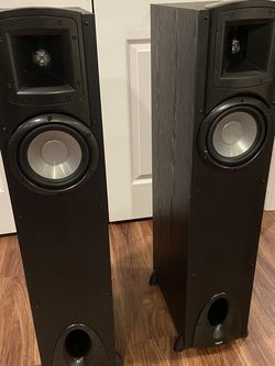 Klipsch Synergy F-10 Tower Speakers, Great Condition for Sale in Oswego,  IL
