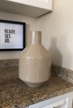 """Ceramic 14"""" inch flower vase for Sale in Chesapeake, VA"""