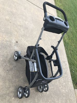 Chicco keyfit - Car seat base and Stroller (caddy) for Sale in Bentonville, AR