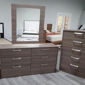 NEW MIRROR DRESSER AND 1 CHEST. DELIVERY for Sale in Hollywood, FL