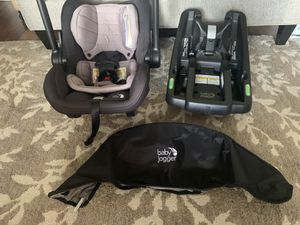 Baby Jogger Infant Car Seat and Base for Sale in Dearborn Heights, MI