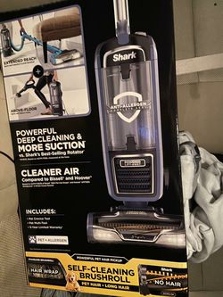 Shark vacuum for Sale in Mount Rainier,  MD
