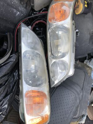 1996 Acura rl head lights for Sale in Queens, NY