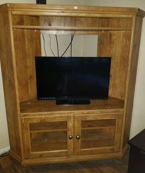 TV Stand Entertainment for Sale in Tulare, CA