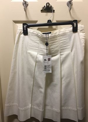 New with tags Burberry white skirt size 6 for Sale in Austin, TX