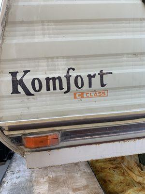 Komfort 5th wheel c class****PENDING PICK UP***** for Sale in Hemet, CA