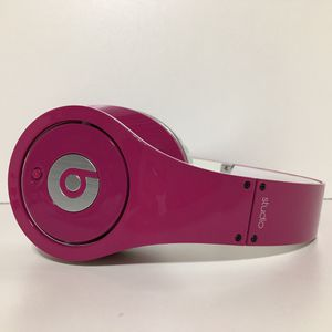 Beats By Dr. Dre. Studio Pink with case and two aux cords. Excellent cosmetic and working condition. for Sale in Fredericksburg, VA