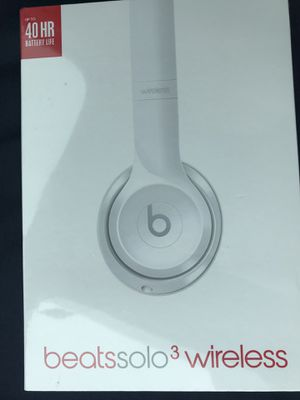 Beats solo 3 Headphones - Gloss White for Sale in Humble, TX