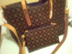 BEAUTIFUL PURSE WITH MATCHING WALLET for Sale in Vancouver, WA