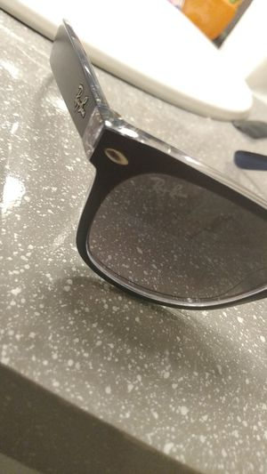 Ray Ban sunglasses model RB2132 605371 for Sale in Las Vegas, NV