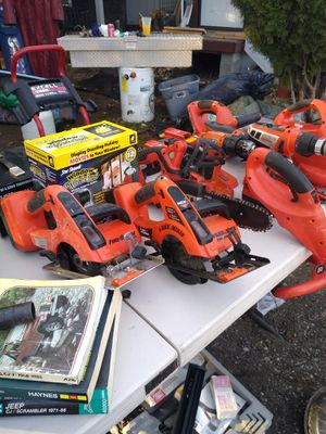 B & D 18v cordless tools for Sale in Ravensdale, WA