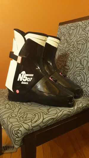 Nordica N507 Ski Boots Size 30-30.5 $30.00 for Sale in Glen Ellyn, IL