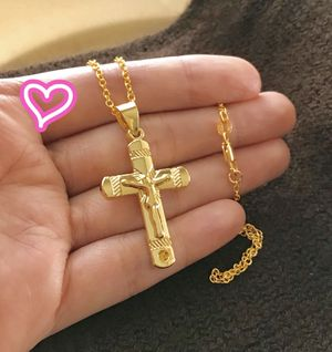 18K Gold Filled Medium Cross Necklace for Sale in San Ramon, CA
