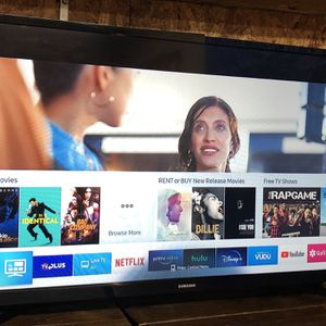 Samsung 32in Smart LED HD TV Barely Used Excellent Condition $125 OBO for Sale in Virginia Beach, VA