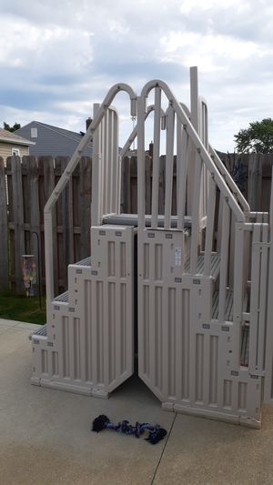 Pool steps and enclosure for Sale in Brook Park, OH