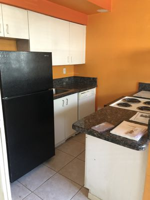 Kitchen cabinets and appliances 200$ for Sale in Key Biscayne, FL