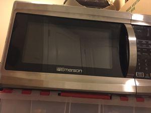 Emerson 1000 watt microwave for Sale in Shoreline, WA