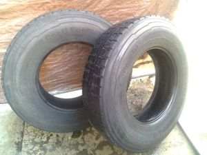 2 SEMI-TRAILER TIRES GOOD CONDITION 11R 22 for Sale in Los Angeles, CA