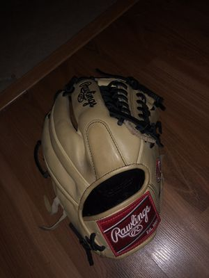 Rawlings baseball glove for Sale in Riverside, CA